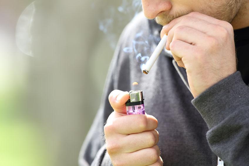 Collégiens et lycéens fument moins, mais consomment toujours autant d'alcool