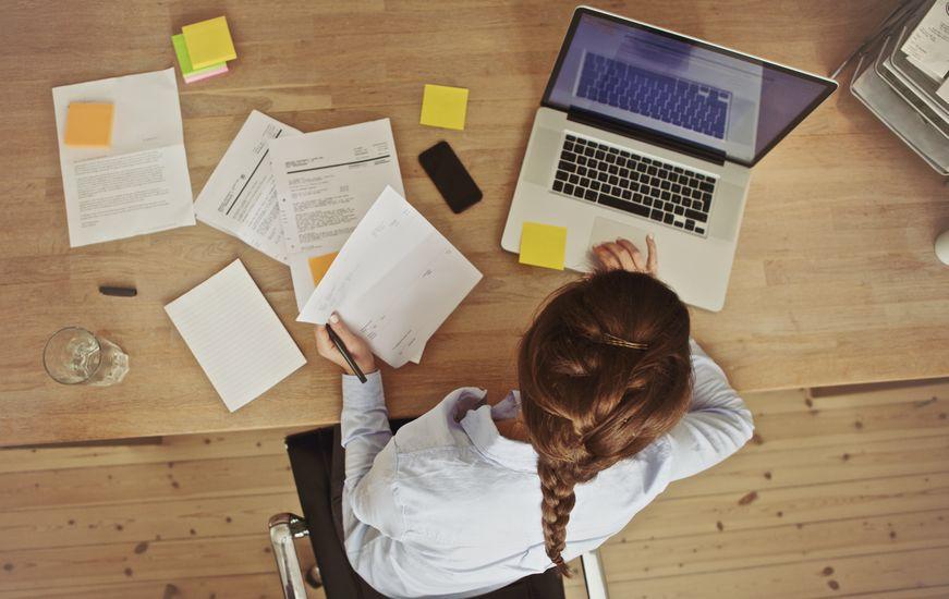 Travailler plus de 10 heures par jour augmente le risque d'AVC