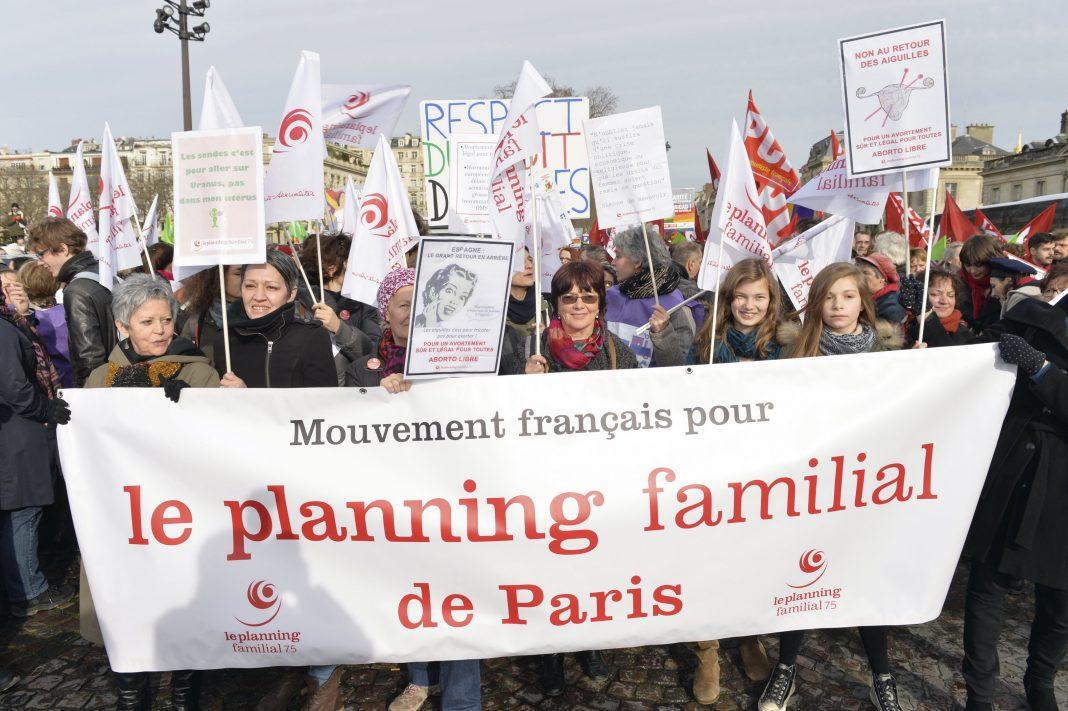 Manifestation pour la defense du droit a l'avortement (IVG) Copyright : ©Patrick ALLARD/REA