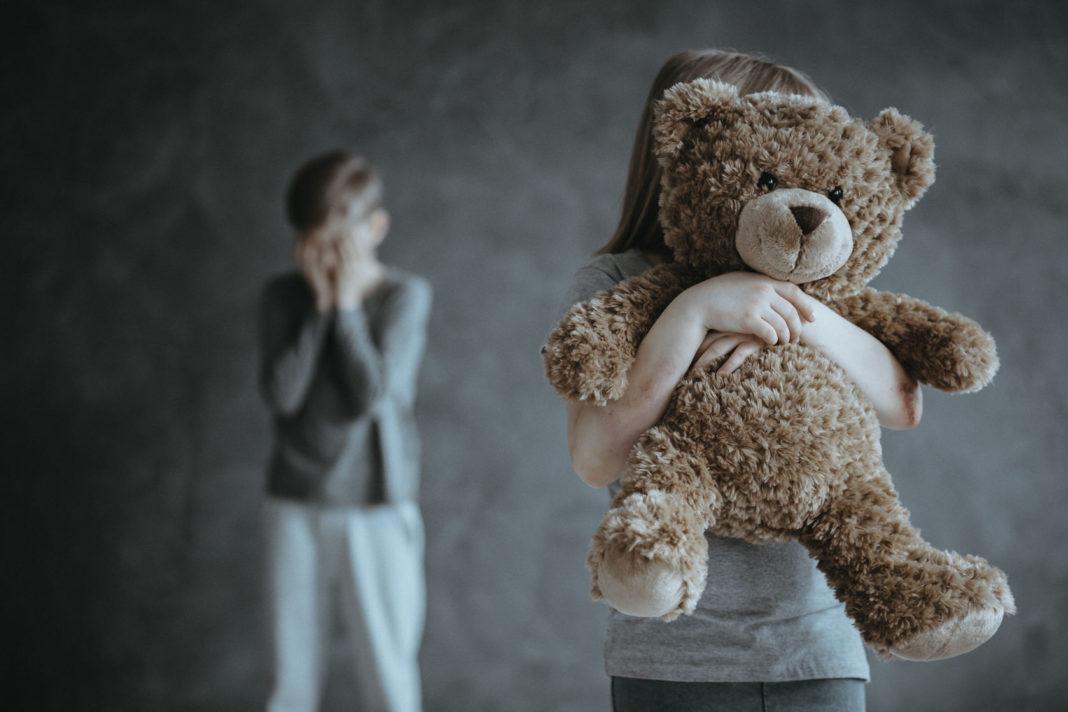 Maltraitance enfants ©123RF