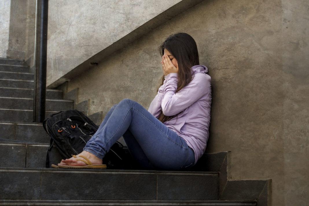 Etudiants en détresse, numéros d'urgence 123RF©