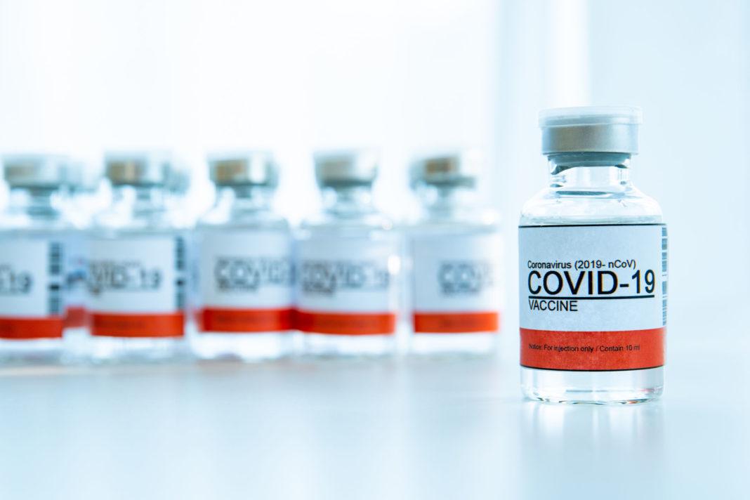 Délai de 4 semaines maximum entre les 2 doses de vaccin, 123RF©